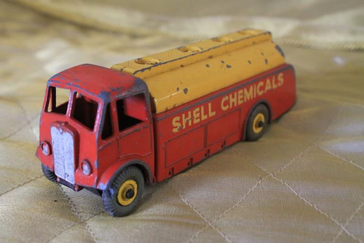 Shell chemicals metal toy truck