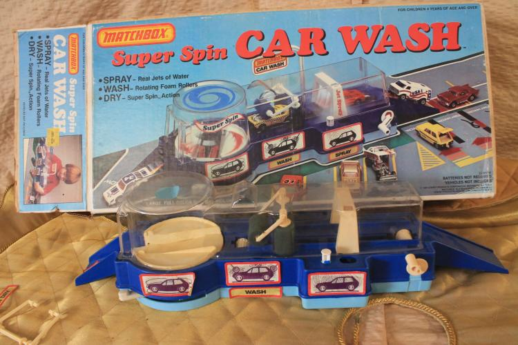 Hot Wheels super spin car wash