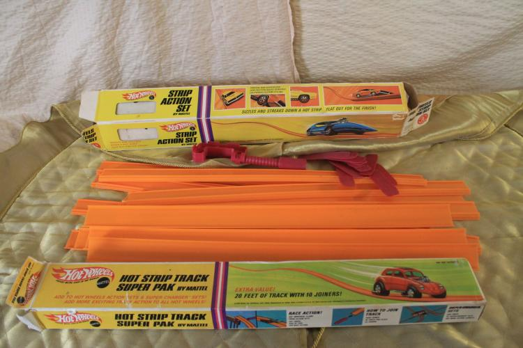 Hot Wheels Track Paks