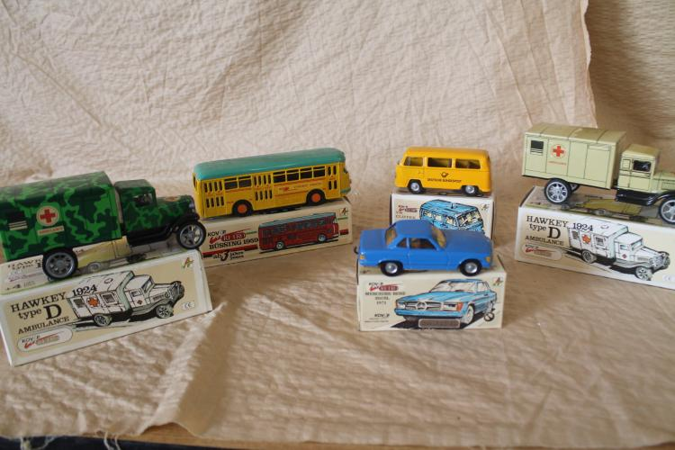 Lot of 5 tin toy vehicles