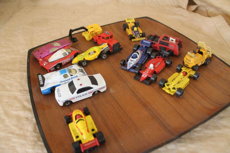 Tray lot of Matchbox cars