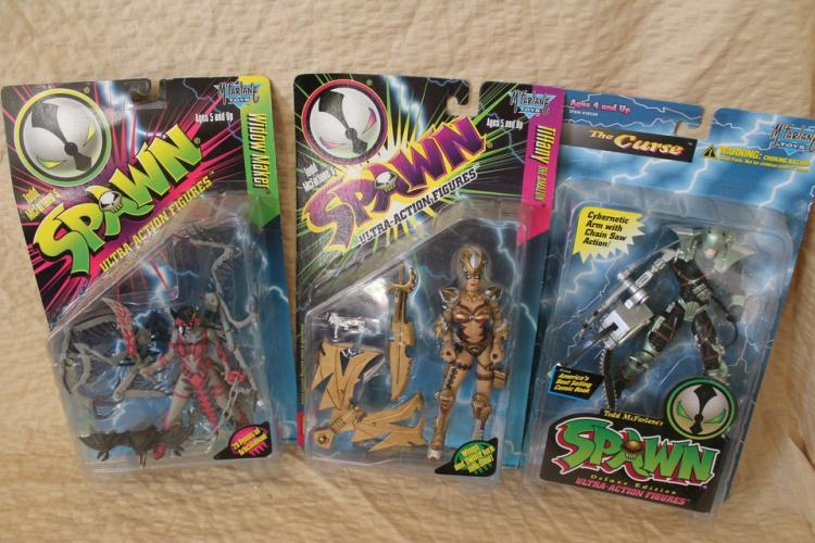 Lot of 3 Spawn figurines