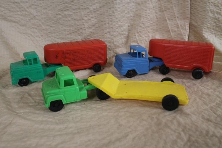 Lot of three Lido trucks