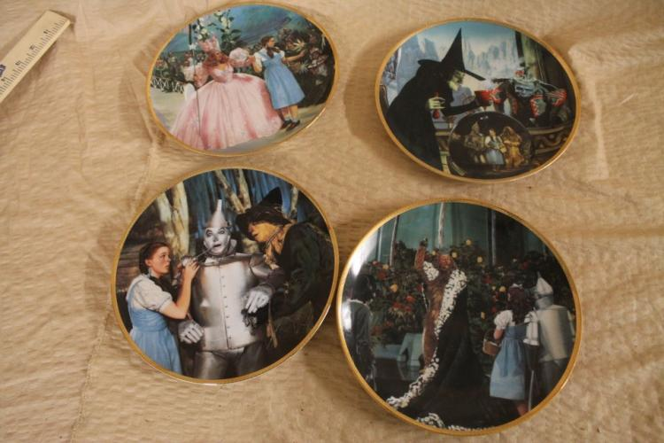 Collection of 4 Wizard of Oz commemorative dishes
