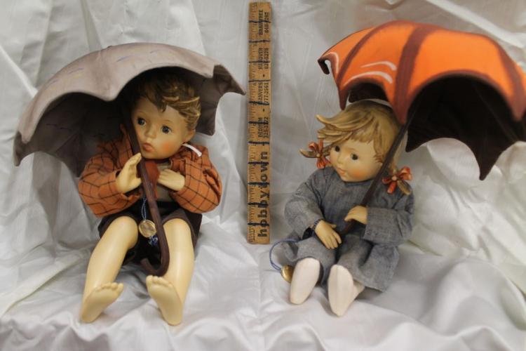 Lot of 2 Goebel dolls with umbrellas
