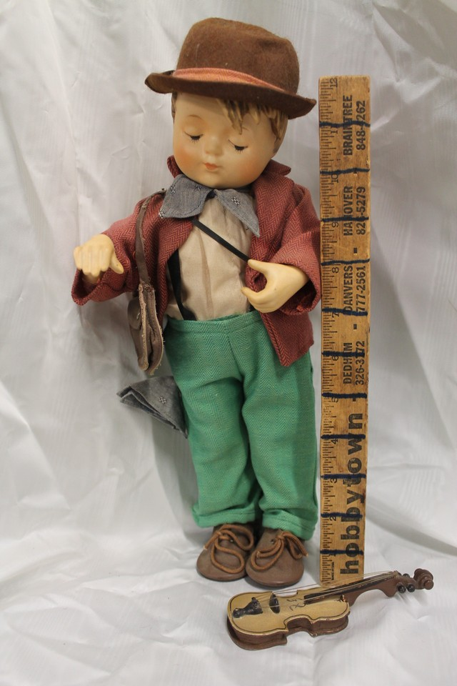 Goebel doll with guitar