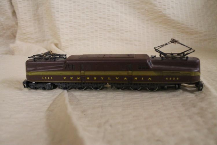 Two HO scale engines
