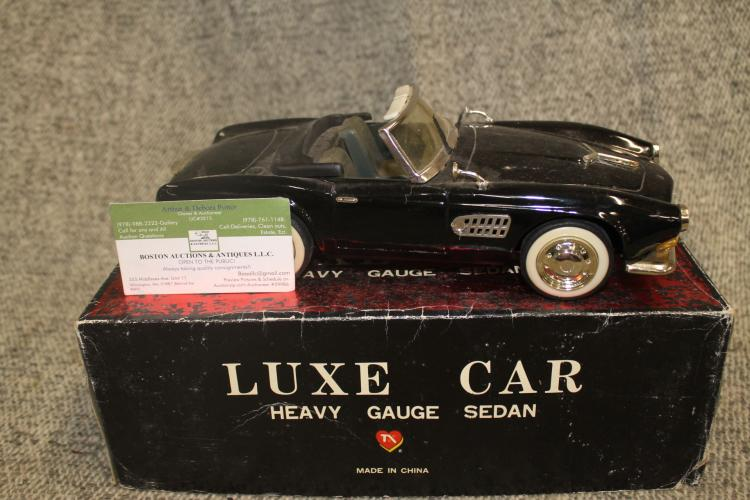 Lot of Luxe Cars (3)