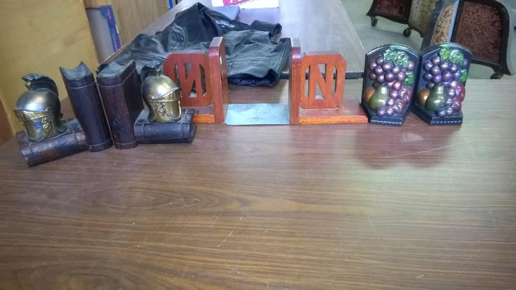 Book end lot knights fruit letters for Furniture 6 letters