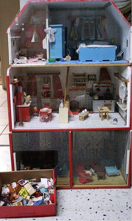 Puppenhaus 3-stöckig