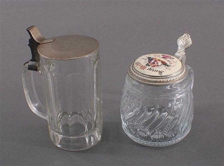 2 Glas Bierkrüge mit Zinndeckel