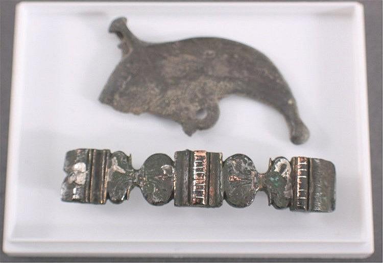 2 Römische Applikationen aus Bronze