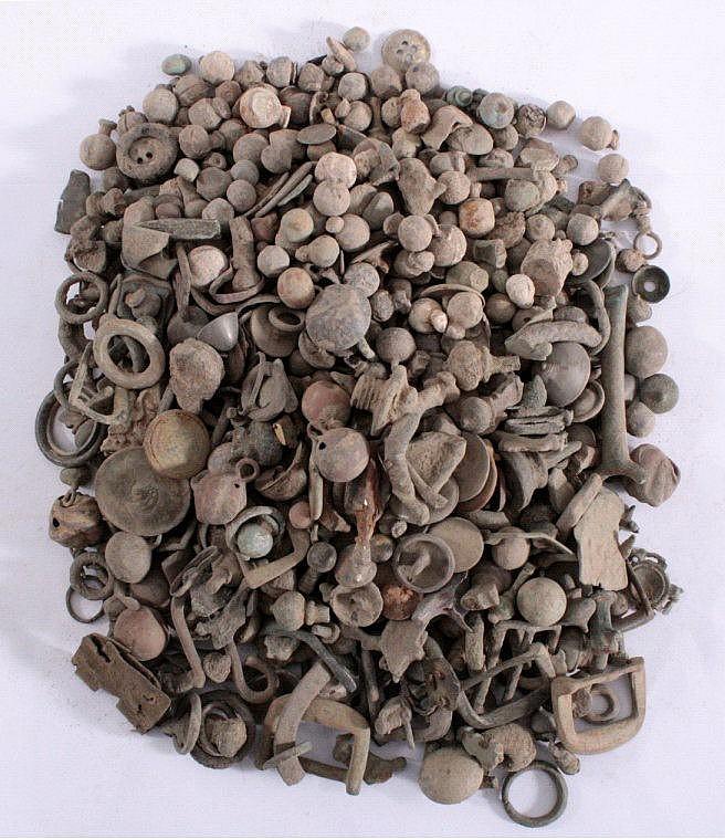 3,2 kg ungereinigter Bodenfund röm./ keltischer Teile