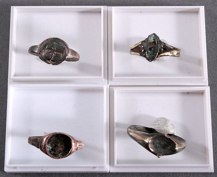 4 Ringe aus dem Mittelalter