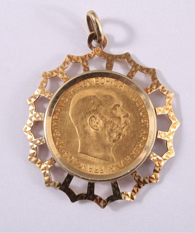 Anhänger mit Goldmünze