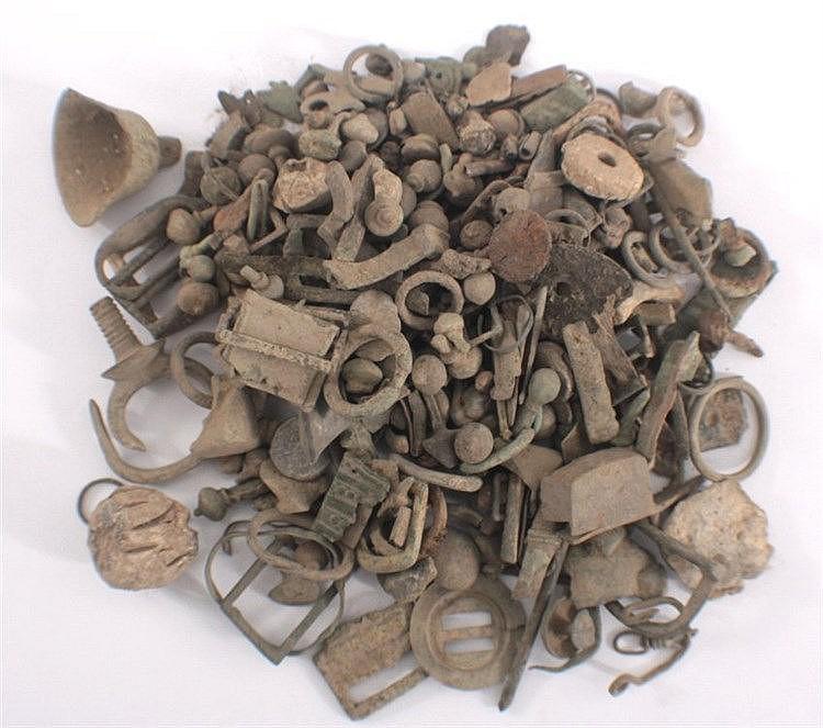 2,0 kg ungereinigter Bodenfund röm./ keltischer Teile