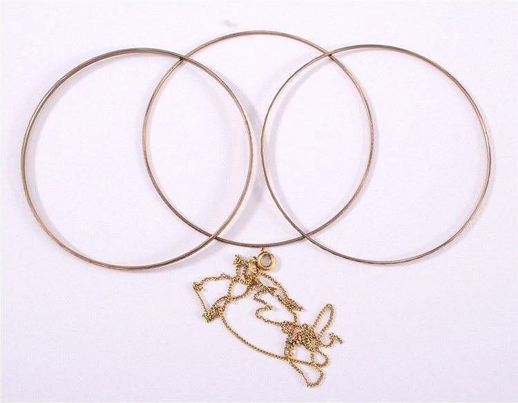 3 Armreife und 1 Halskette 333/000 GG