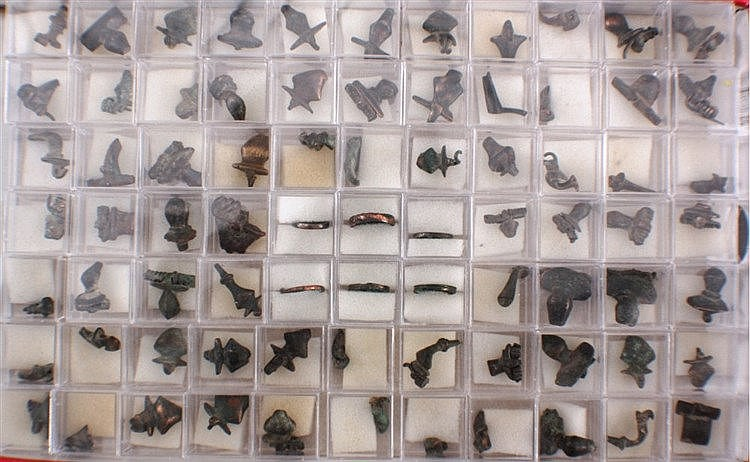 77 Römische Schmuckteile aus Bronze