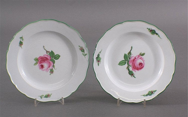 2 Meissen Teller, Blumenmalerei, Rote Rose