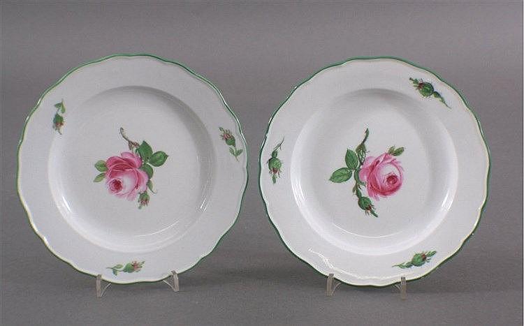 2 Meissen Teller, Blumenmalerei, Rote Rose