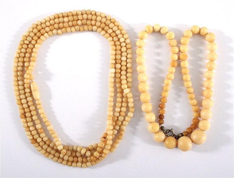 2 antike Halsketten aus Bein