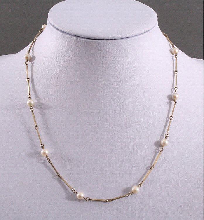 Halskette mit Perlen, 333/000 GG
