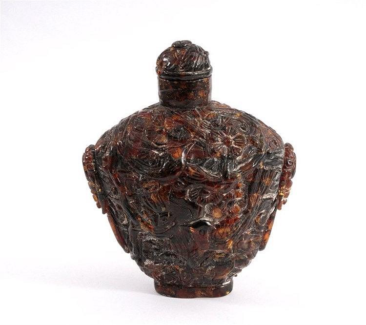 Snuffbottle aus dunklem Bernstein, China 1. Hälfte 20. Jh.