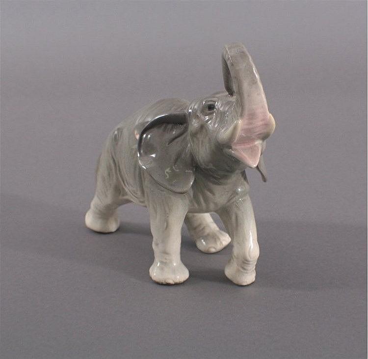 Göbel Porzellan Elefant