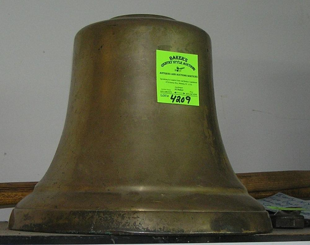 LARGE SOLID BRASS ANTIQUE FIRE BELL