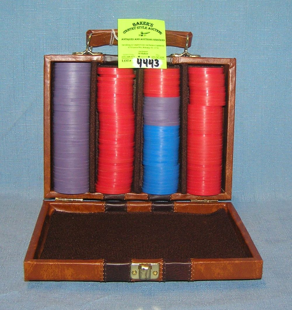 GAMBLING CHIP SET WITH QUALITY LEATHER CASE