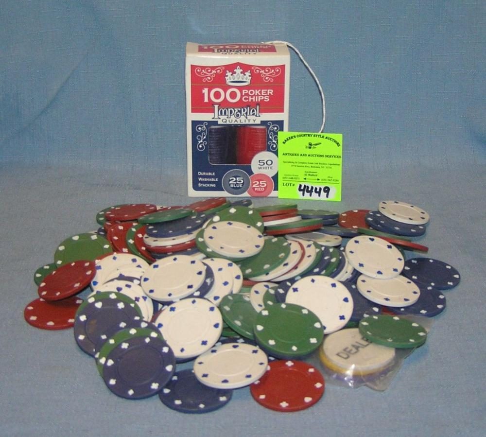 LARGE GROUP OF POKER CHIPS