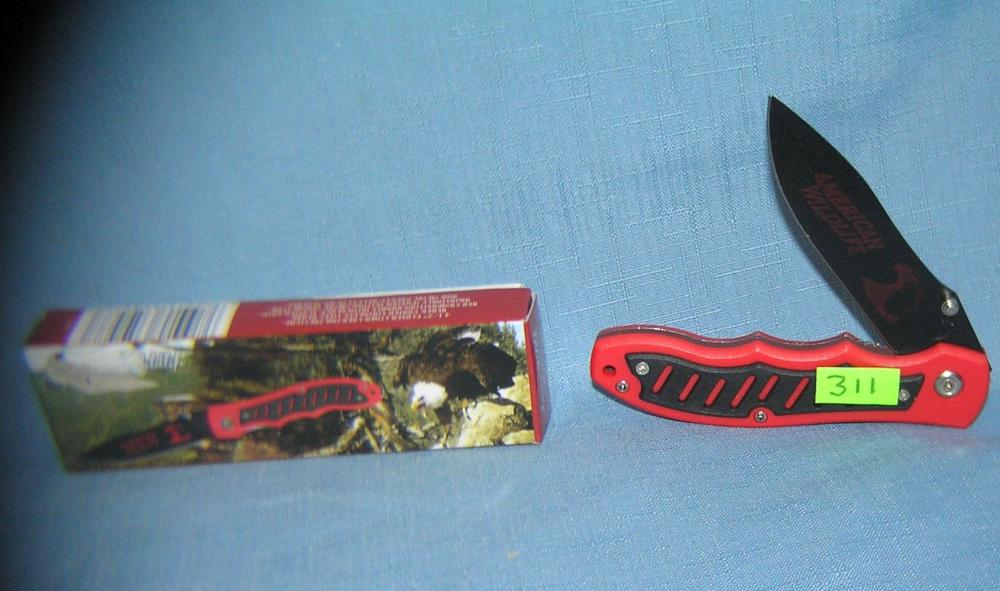 AMERICAN WILDLIFE POCKET KNIFE WITH ORIGINAL BOX