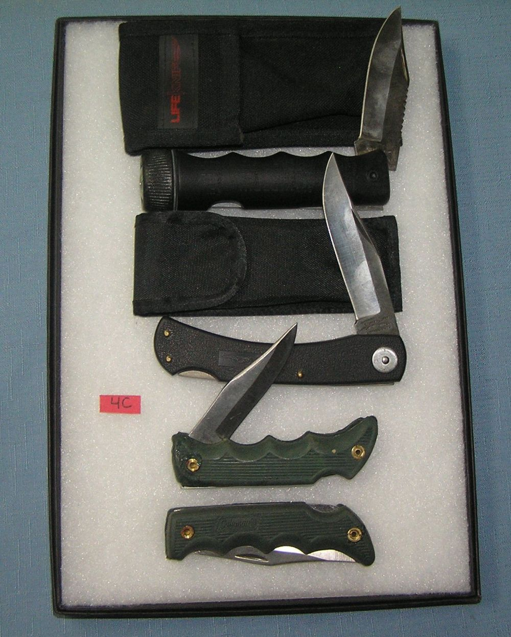 COLLECTION OF POCKET AND SURVIVAL KNIVES AND CASES