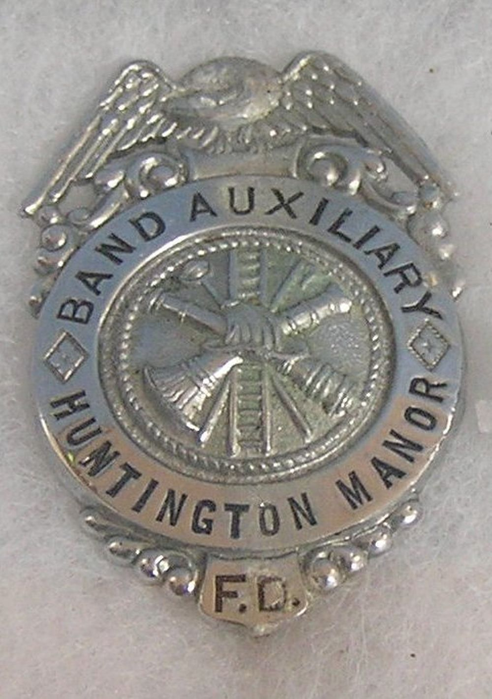 VINTAGE HUNTINGTON FIRE BADGE