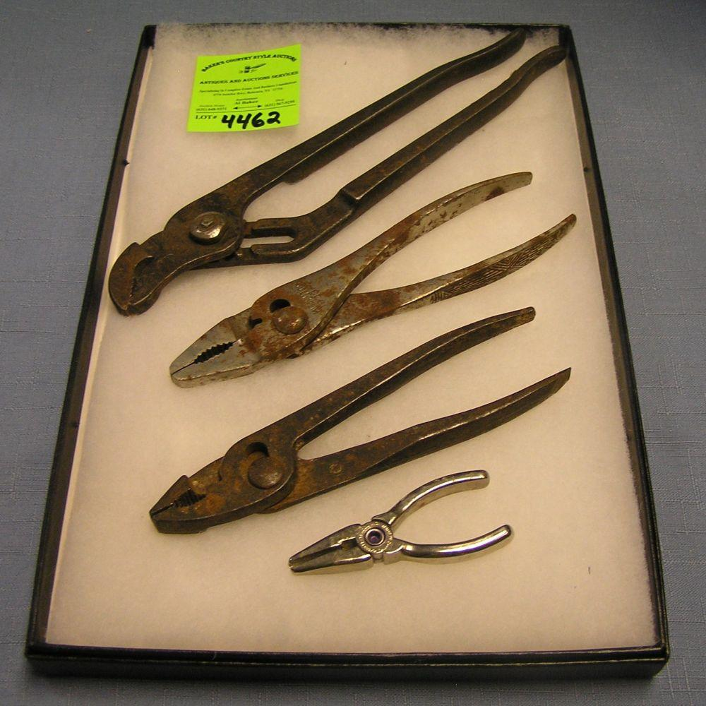 COLLECTION OF ANTIQUE TOOLS