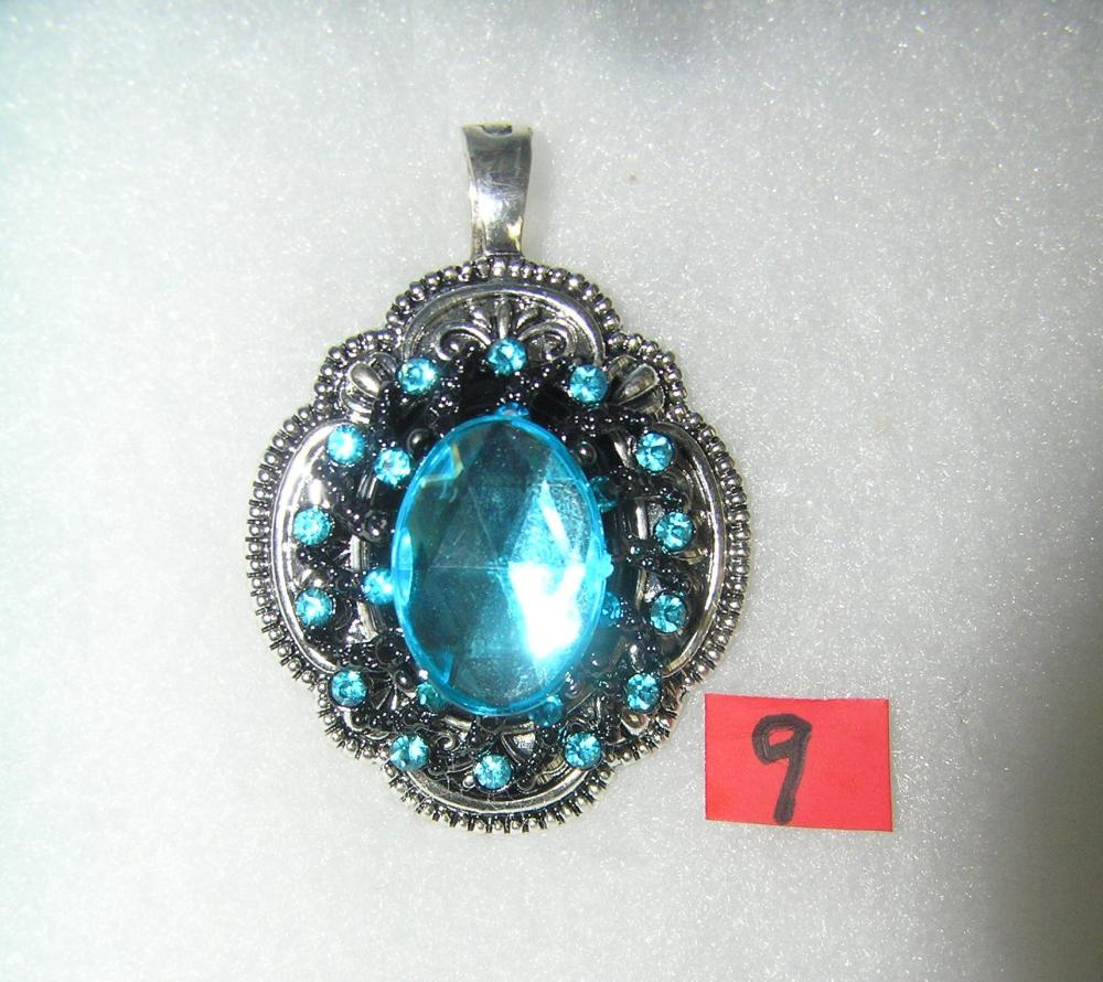 NECKLACE PENDANT WITH BLUE AQUA MARINE STONES