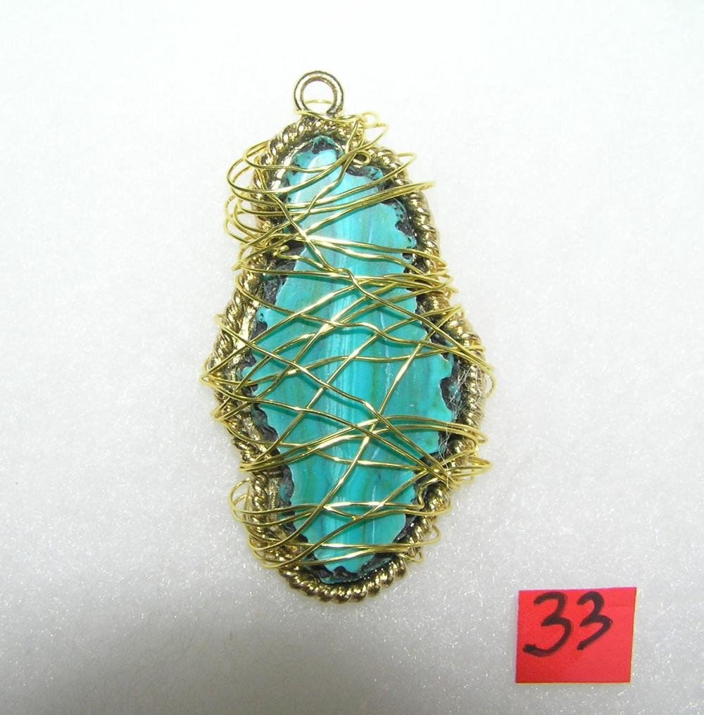 VINTAGE NECKLACE PENDANT WITH LARGE TURQUOISE STONE
