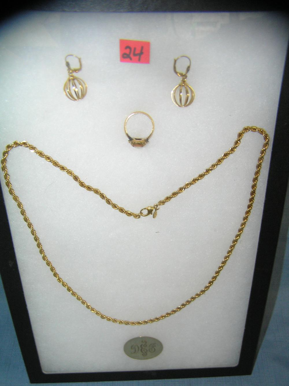 COLLECTION OF GOLD TONED JEWELRY