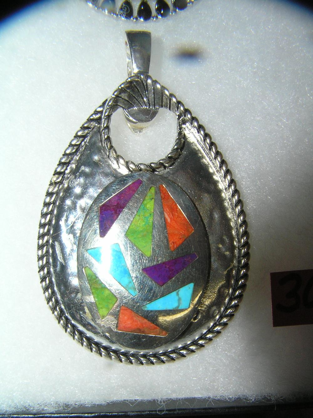 NECKLACE PENDANT WITH MULTI COLORED TURQUOISE STONES