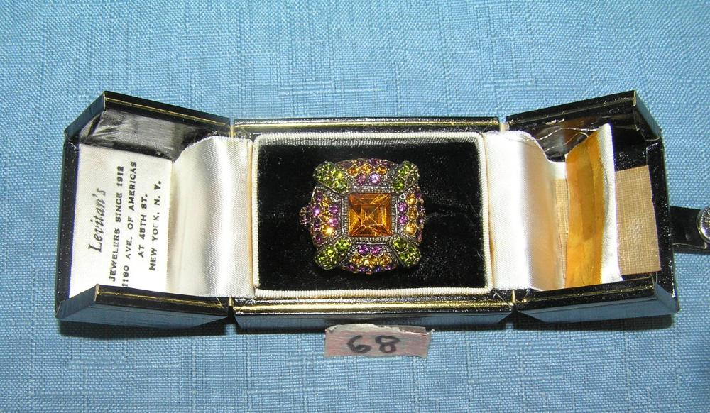Lot 68: HIGH QUALITY DESIGNER COSTUME JEWELRY RING