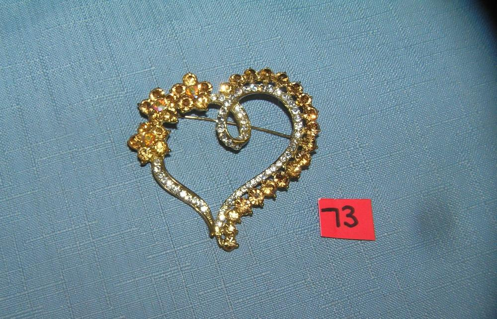 QUALITY COSTUME JEWELRY HEART SHAPED PIN