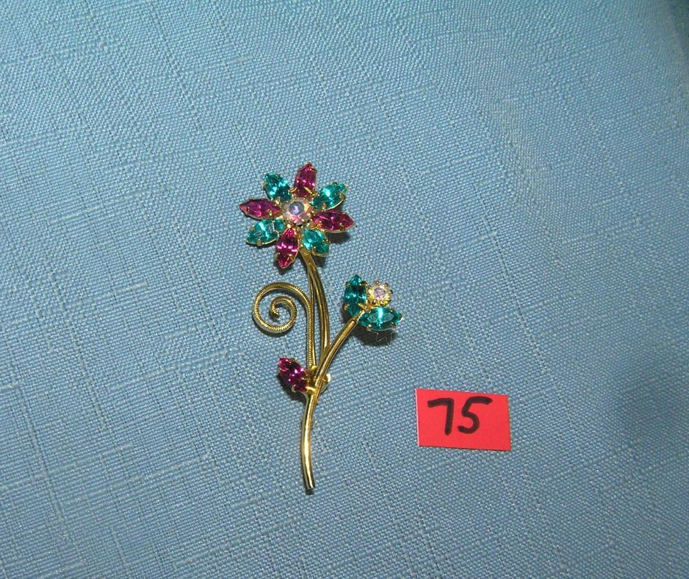 QUALITY COSTUME JEWELRY FLOWER PIN