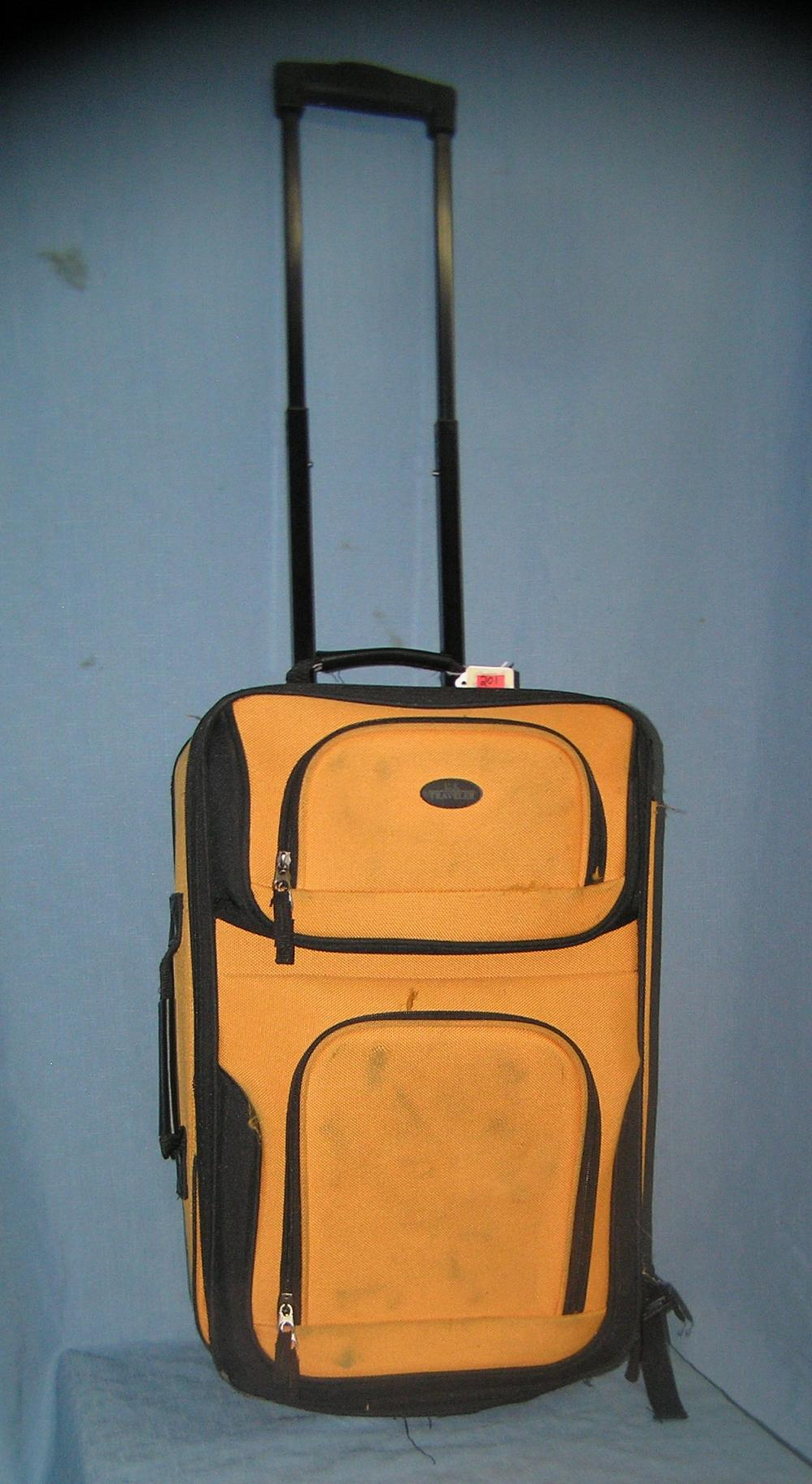 Lot 201: US TRAVELER MODERN CANVAS LUGGAGE CASE