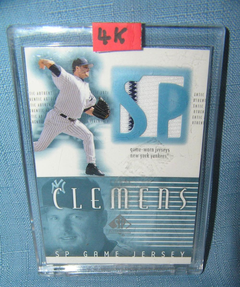ROGER CLEMENS GAME USED JERSEY MATERIAL BASEBALL CARD