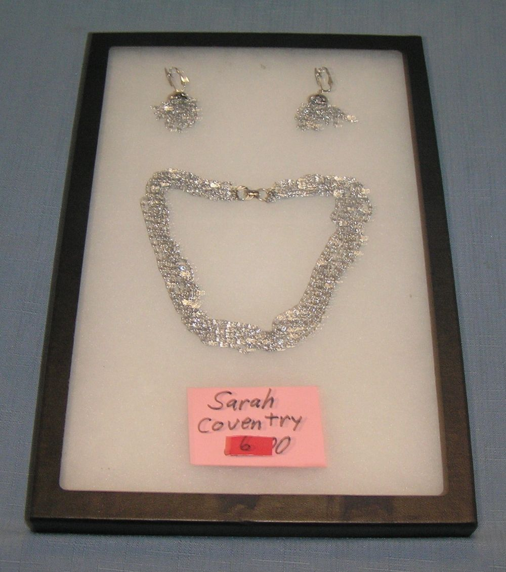 VINTAGE SARA COVENTRY NECKLACE AND EARRING SET