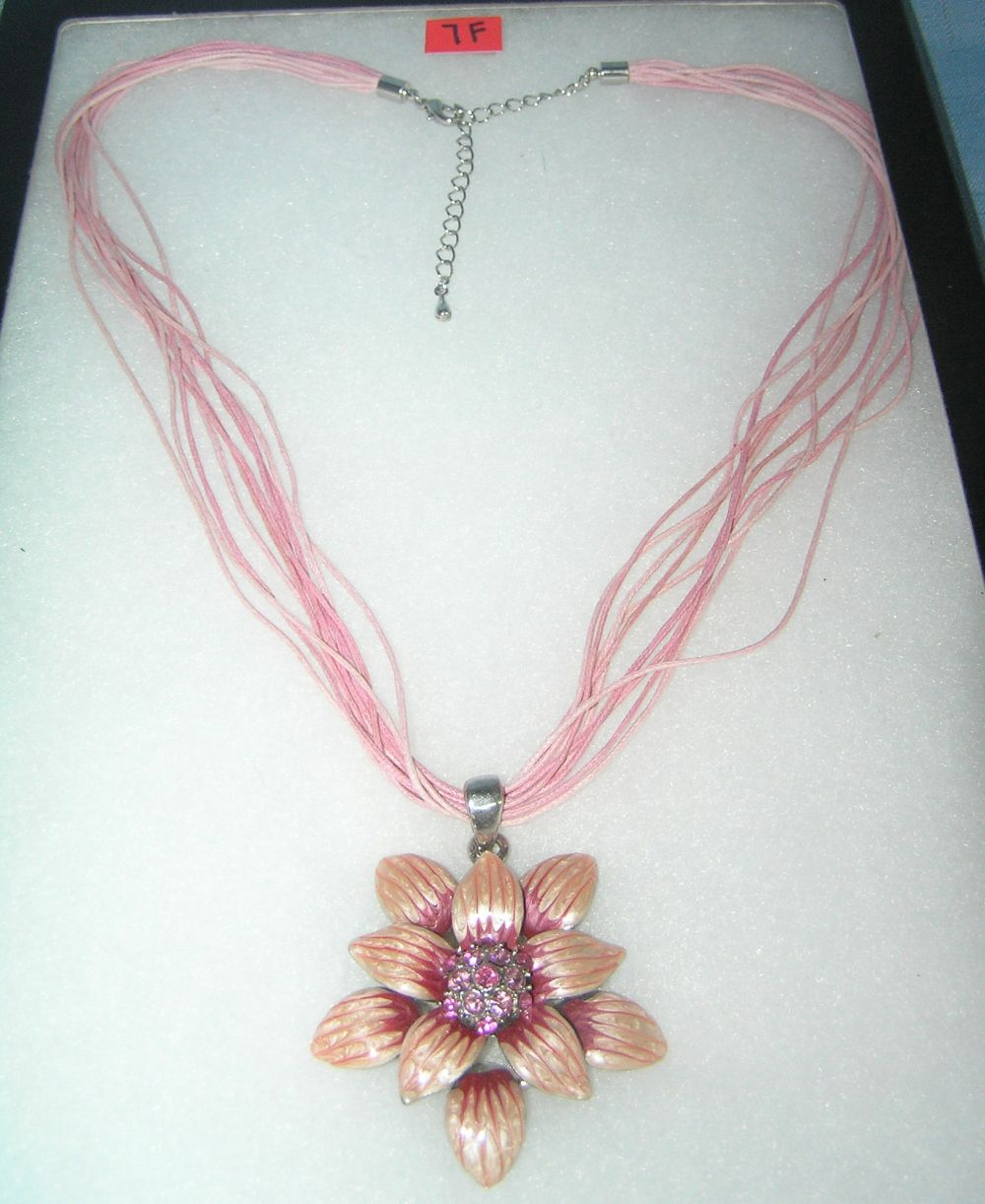 QUALITY COSTUME JEWELRY ENAMELED FLORAL NECKLACE