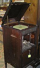 Antique Thomas Edison diamond disk phonograph