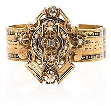 Bangle bracelet in gold, enamel and diamonds, circa 1870 Engraved gold, black enamel, diamonds, rose and rectangular cuts, 0.12 cts, an