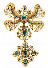 A gold and emeralds pendant-lace from Cordoba, circa 1750