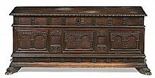 Catalan carved walnut bride's chest, late 19th Century 62.5x136x53 cm